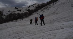 Спасатели вторую неделю разыскивают в горах Сочи пропавшего туриста