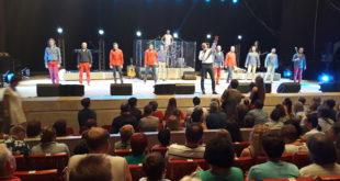 Единственный в мире танцующий хор отметил в Сочи свое 25-летие