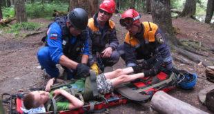 Ребенка из туристической лагеря гор Кавказа  с ожогами обеих ног вертолетом доставили в Сочи (видео)