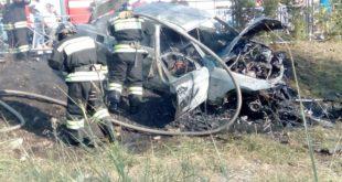 В Сочи в ДТП сгорел автомобиль BMW, водитель травмирован (видео)