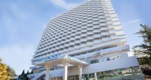 Туристка выпала с 17-го этажа гостиницы Sea Galaxy в Сочи