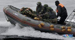 Ящик с зенитными снарядами выбросило море