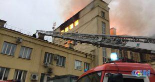В Сочи сгорело 200 кв.м. хлебозавода (видео)