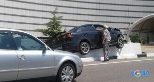 Два автомобиля столкнулись на Дублере Курортного проспекта