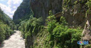 Двух туристов спасли сотрудники МЧС Сочи