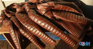 Сочинские таможенники изъяли незадекларированную партию кожаных курток
