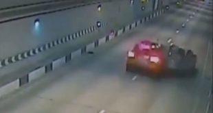 Водитель порша на большой скорости въехал в такси в тоннеле Сочи
