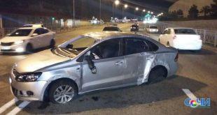 В Сочи автомобиль опрокинулся  на пассажира, который выпал на дорогу во время ДТП