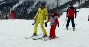 Порядка 70 детей – инвалидов прошли адаптацию на горнолыжном курорте «Роза Хутор»