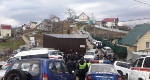 Автоматы, пулеметы и самодельное оружие обнаружили полицейские в частном доме Сочи