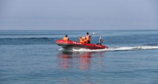 В Сочи курортника на матраце ветром вынесло из реки в открытое море