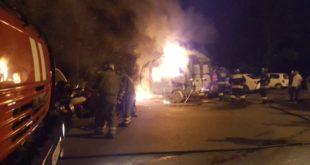 В микрорайоне Макаренко сгорели три автомобиля