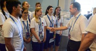 Почти три тысячи волонтеров помогают в организации Чемпионата мира по футболу в Сочи