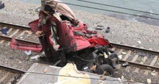 КАМАЗ упал с автодороги на железнодорожную ветку в районе пансионата «Спутник»