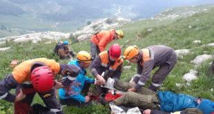Спасатели эвакуировали с Большого Фиштинского ледника травмированного туриста