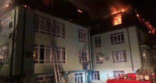 Мужчина погиб в ночном пожаре в многоэтажке Сочи
