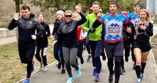 Двукратная олимпийская чемпионка Мастеркова пробежала с сочинцами 10 км