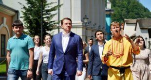Глава Сочи Алексей Копайгородский посетил комплекс «Моя Россия» курорта «Роза Хутор»
