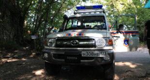 Туристку с травмой ноги госпитализировали из леса спасатели Сочи