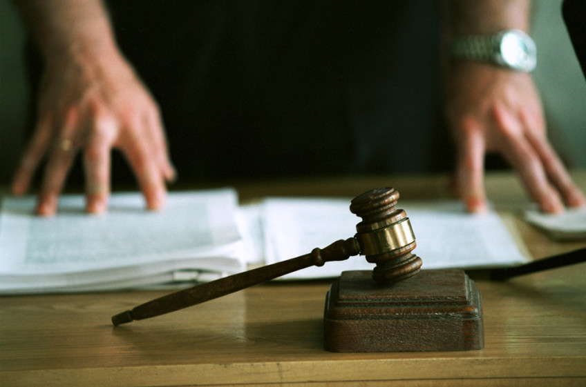 Два сочинских полицейских обвиняются во взятке